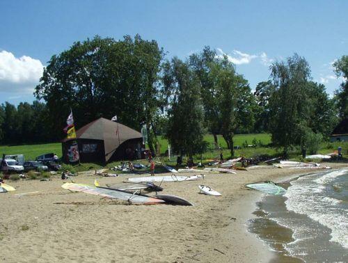 Půjčovna a škola windsurfingu v Černé v Pošumaví