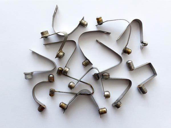 Pérko (Push Pin) použité, různé typy Chinook